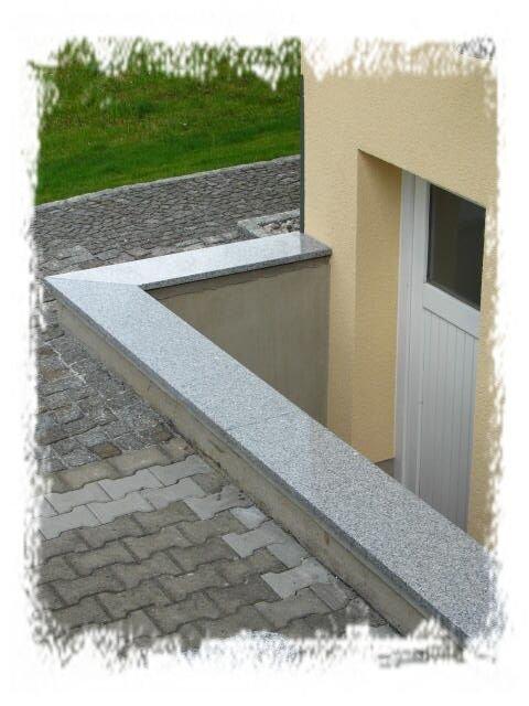 bild naturstein mauerabdeckung granit bei dresden. Black Bedroom Furniture Sets. Home Design Ideas